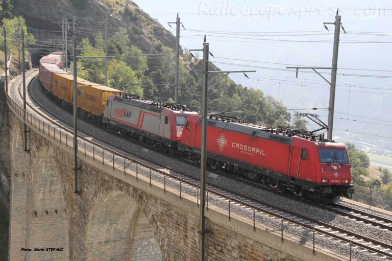 185 596-4 Crossrail à Hohtenn (CH)