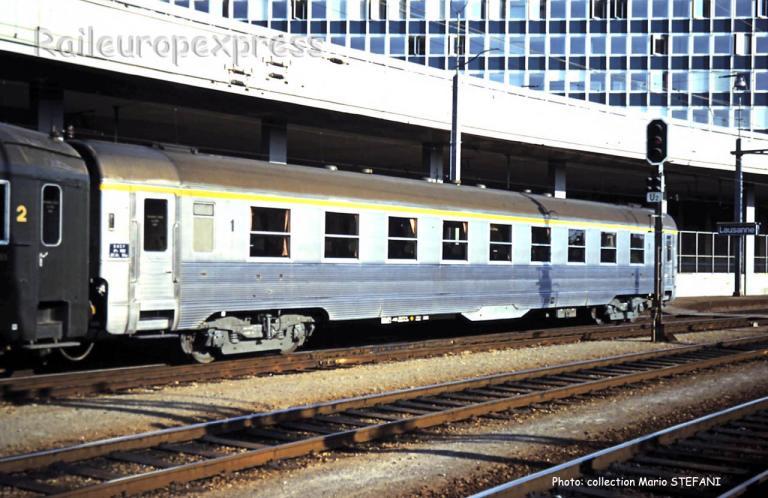 A9 DEV inox SNCF à Lausanne (CH)