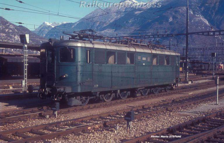 Ae 4/6 10810 CFF à Bellinzona (CH)