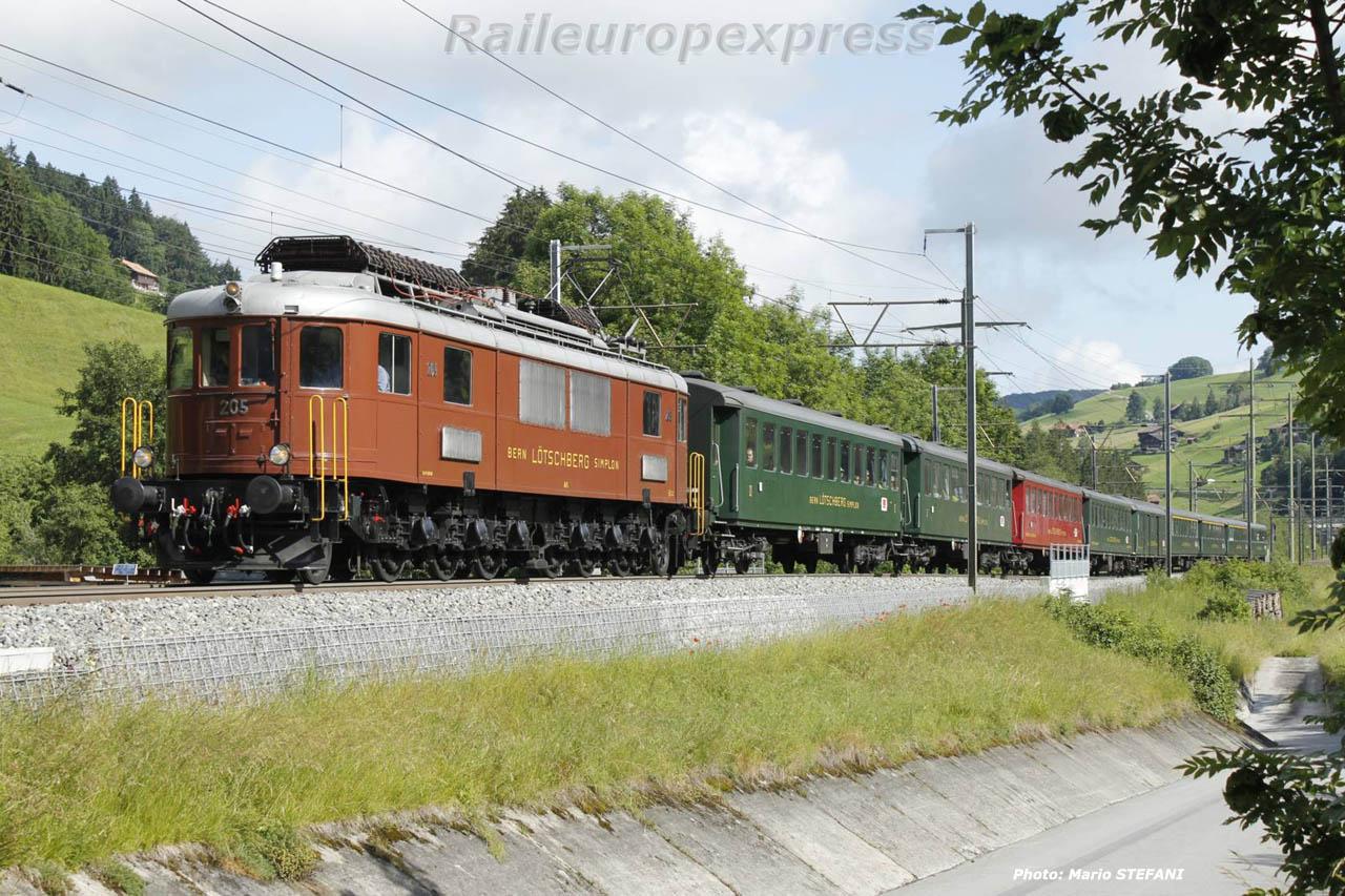 Ae 6/8 205 BLS à Müllenen (CH)