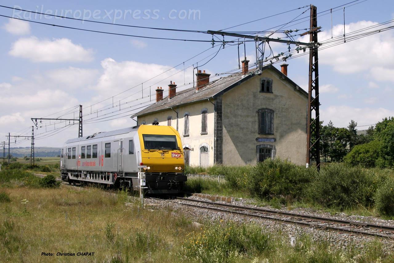 Autorail V6 SNCF d'auscultation à Talizat (F-15)