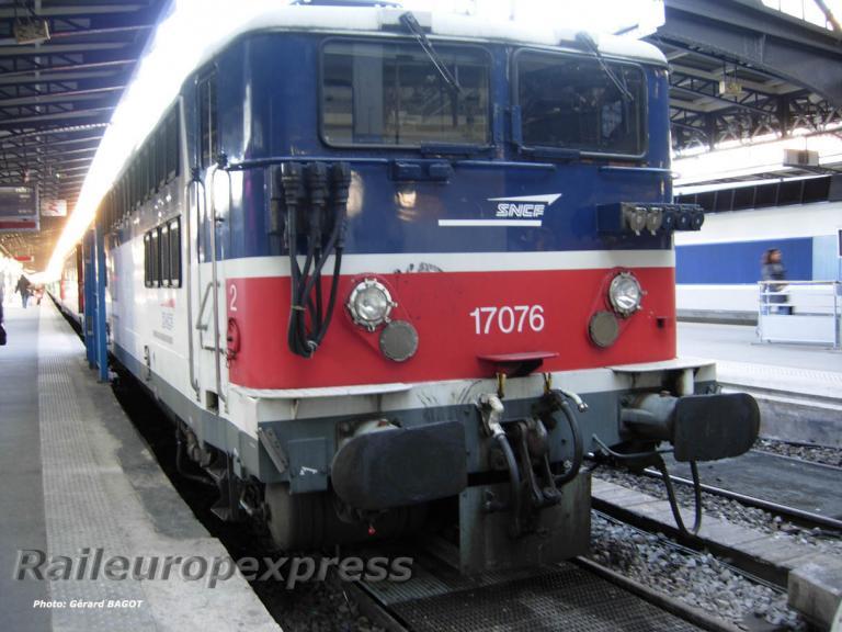 BB 17076 à Paris Est