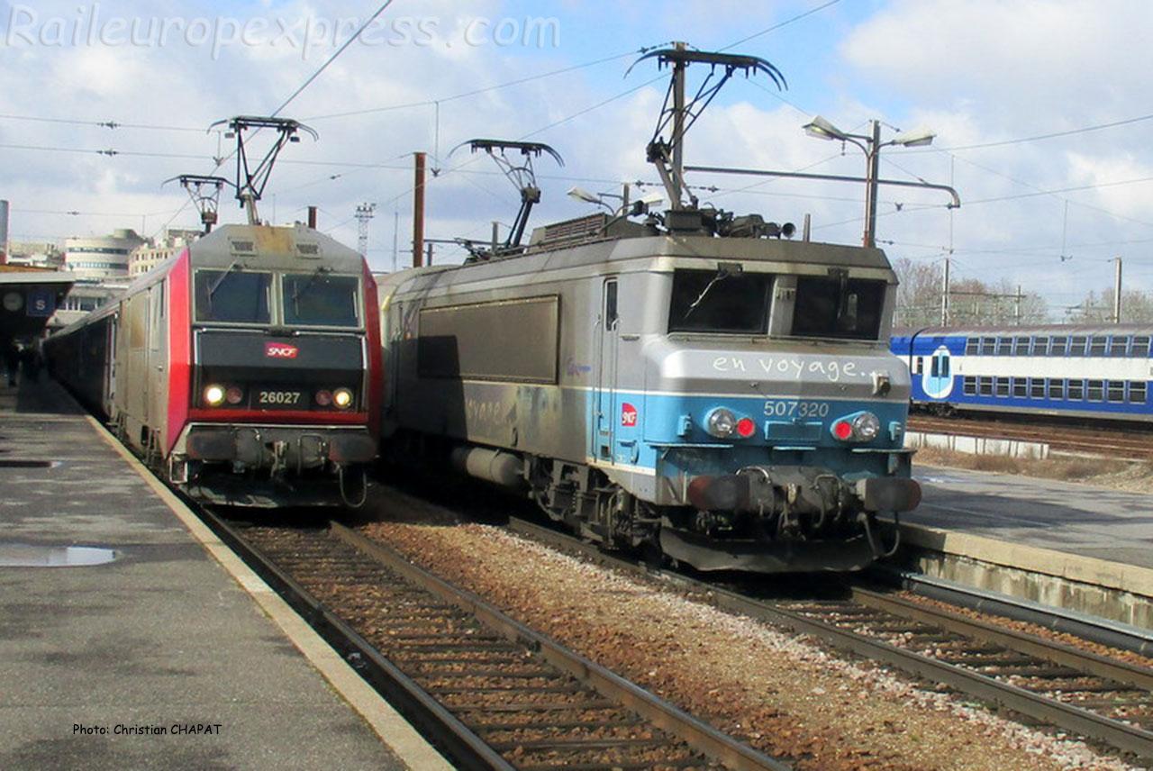 BB 26027 et 7320 SNCF à Paris-Bercy (F-75)