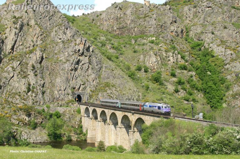 BB 67400 SNCF près de Chapeauroux (F 48)