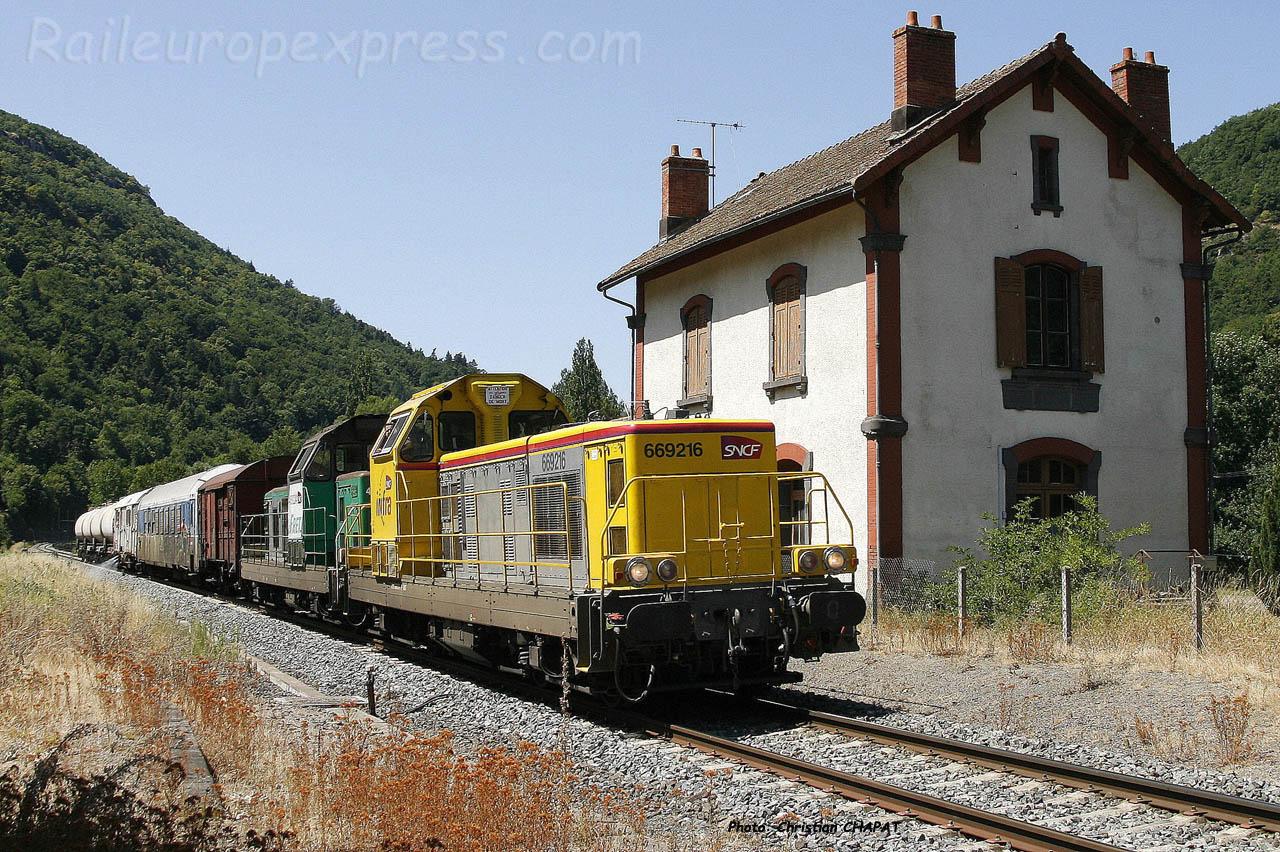 BB 69216 SNCF à Molompize (F-15)