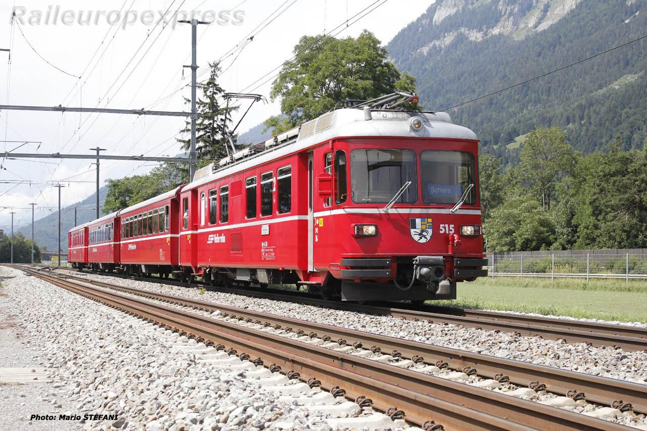 Be 4/4 515 RhB à Felsberg (CH)