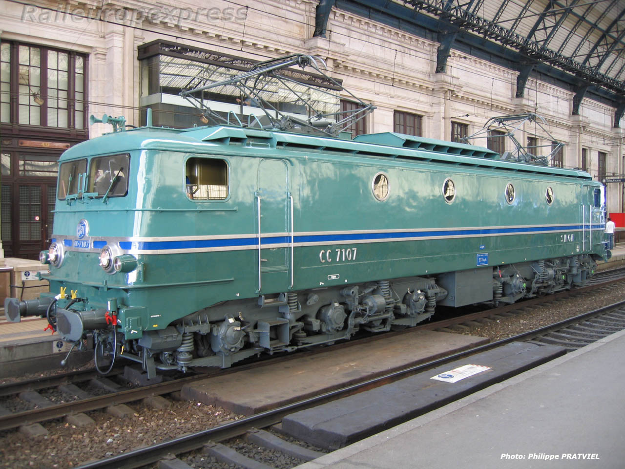CC 7107 en gare de Bordeaux Saint Jean (F 33)