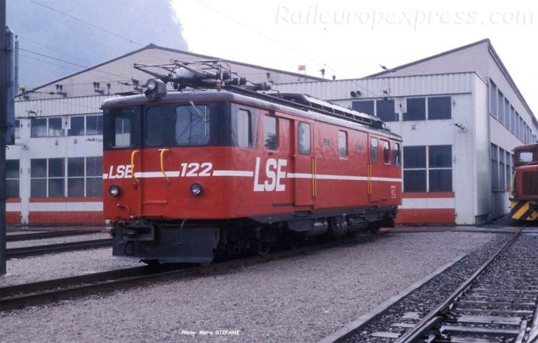 Deh 4/6 122 LSE à Stansstad (CH)