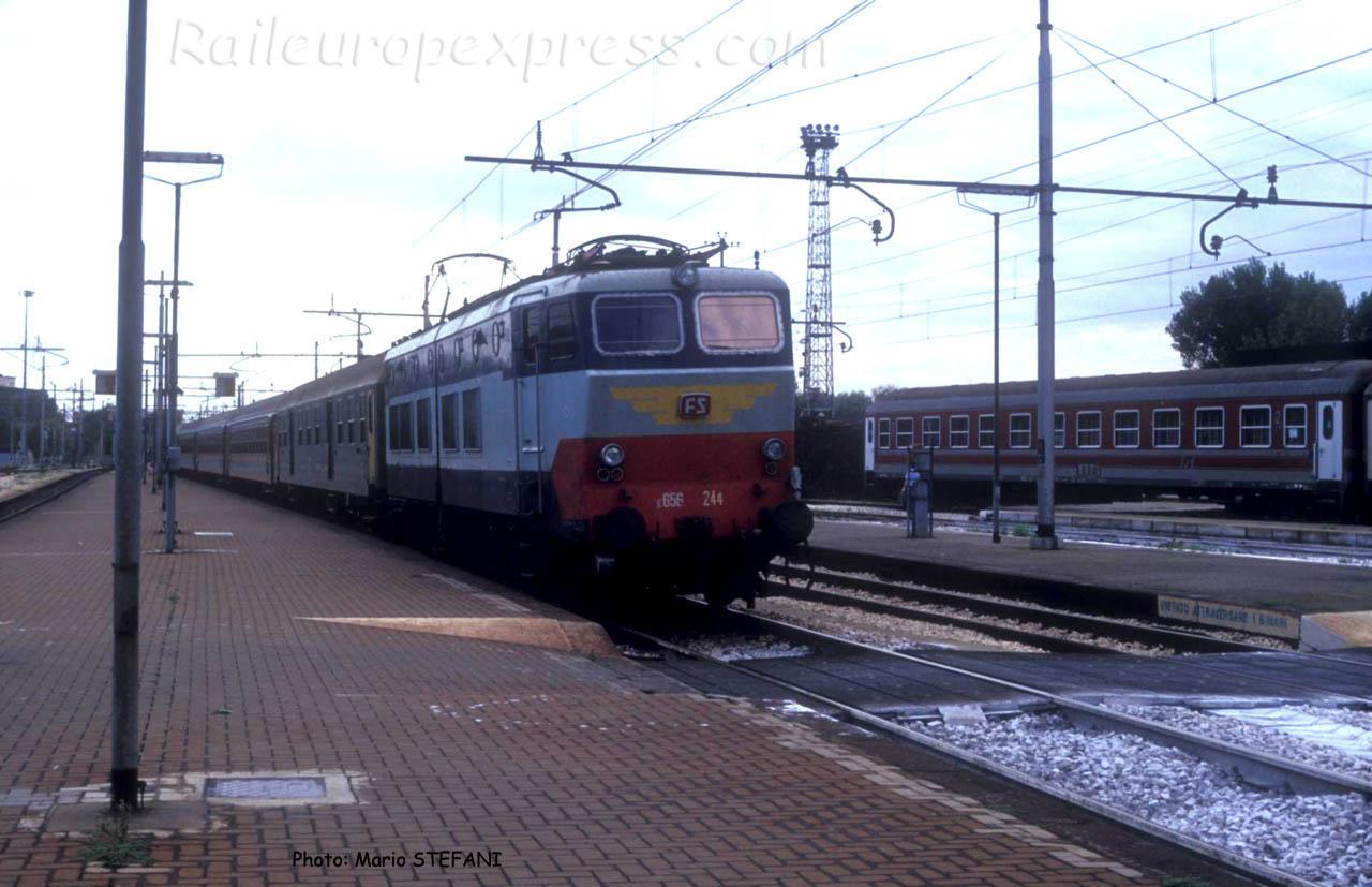 E 656 244 FS à Rimini (I)