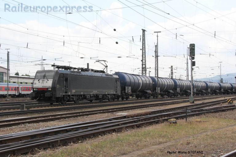 E64  F4 093 MRCE à Basel (CH)