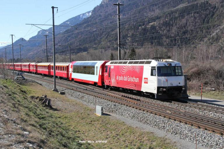Ge 44 III 645 RhB à Felsberg (CH)