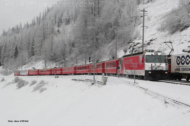Ge 4/4 III 651 RhB à Bergün (CH)