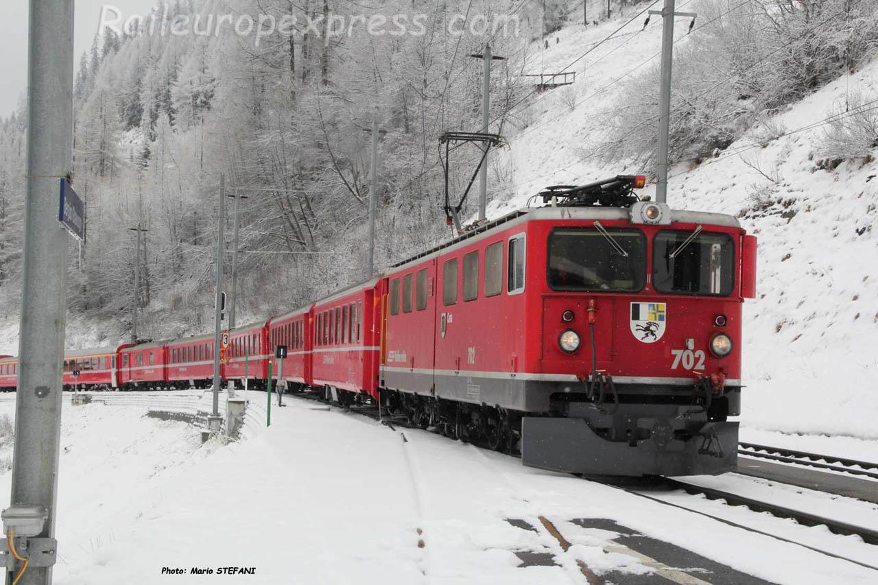 Ge 66 II 702 RhB à Bergün (CH)