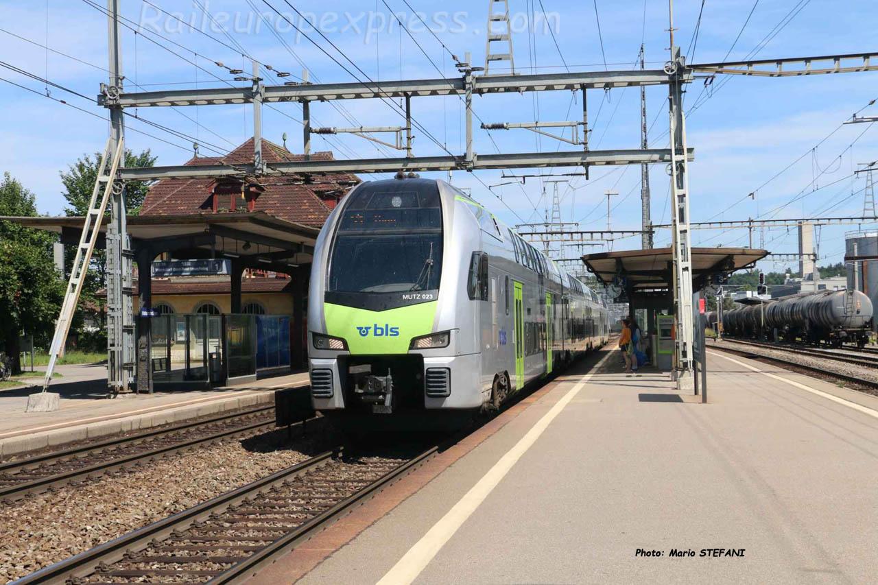RABe 515 51 BLS à Ostermundingen (CH)