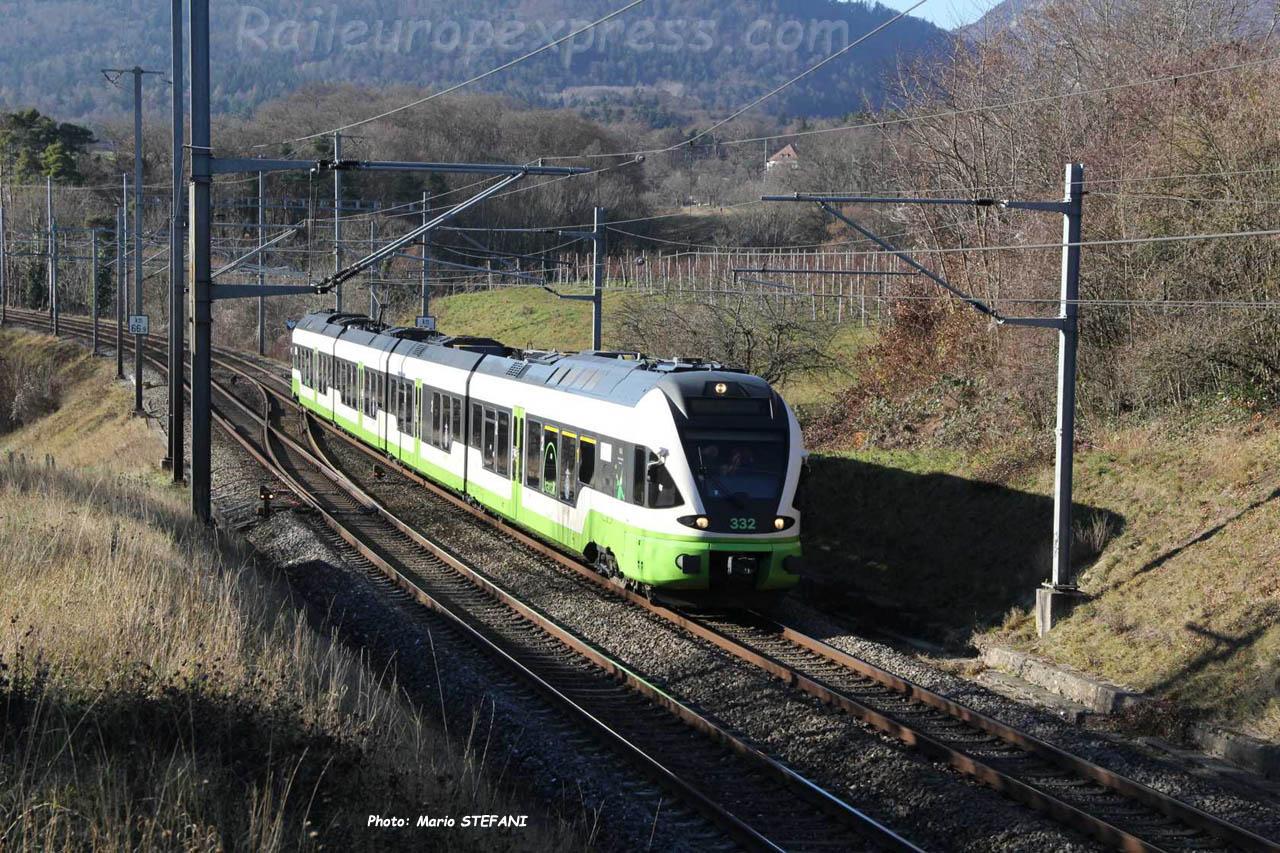 RABe 527 332 TransN à Boudry (CH)