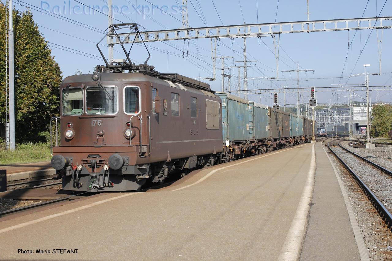 Re 4/4 176 BLS à Ostermundingen (CH)