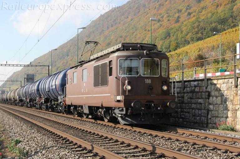 Re 4/4 188 BLS à Ligerz (CH)