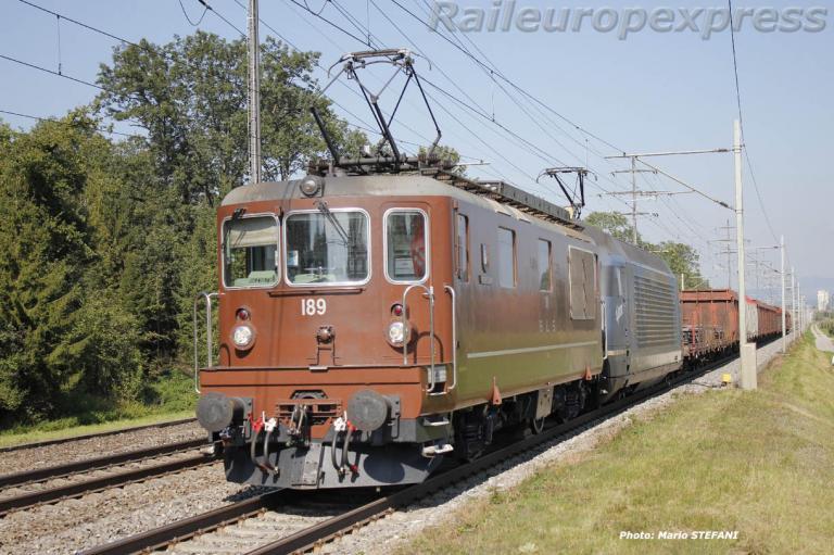 Re 4/4 189 BLS à Kiesen (CH)