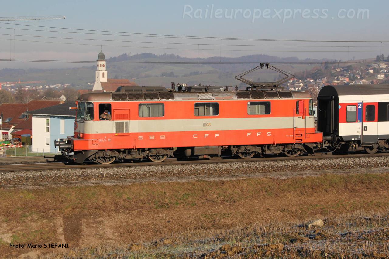 Re 4/4 II 11108 CFF à Frick (CH)