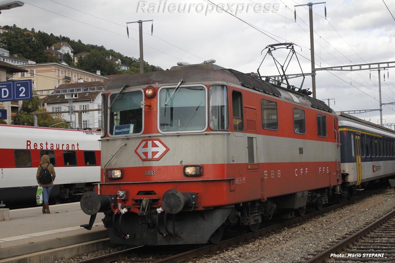 Re 4/4 II 11108 CFF à Neuchâtel