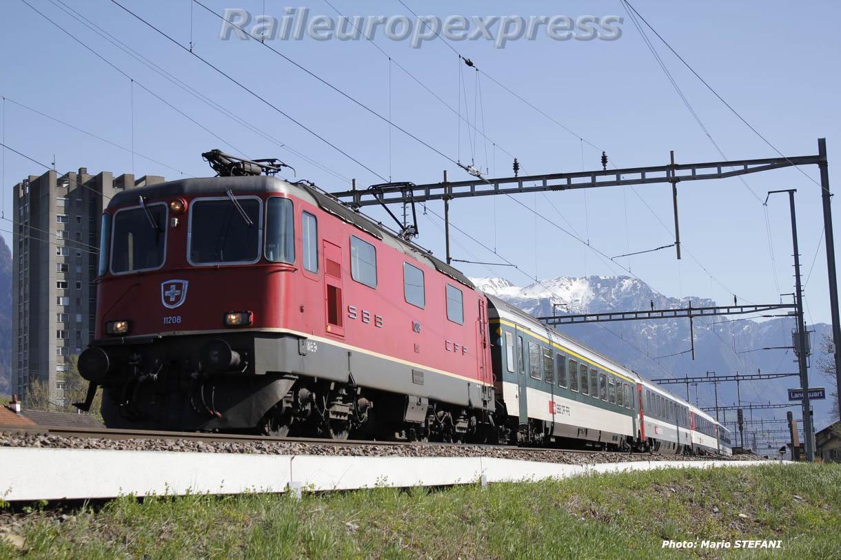 Re 4/4 II 11208 CFF à Lanquart