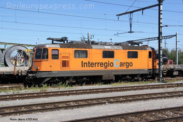 Re 4/4 II 11320 CFF à Yverdon (CH)