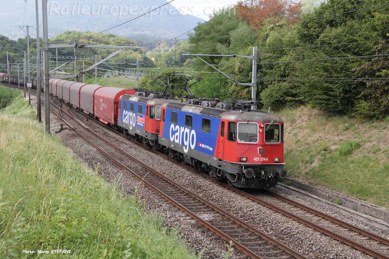 Re 421 374 -0 CFF à Boudry (CH)