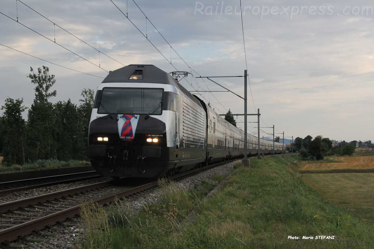 Re 460 028-4 CFF à Boudry (CH)