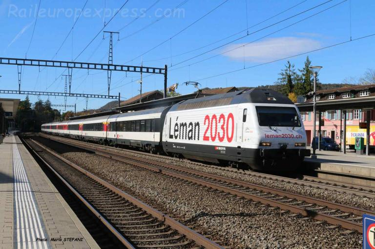 Re 460 075-5 CFF à Sissach (CH)