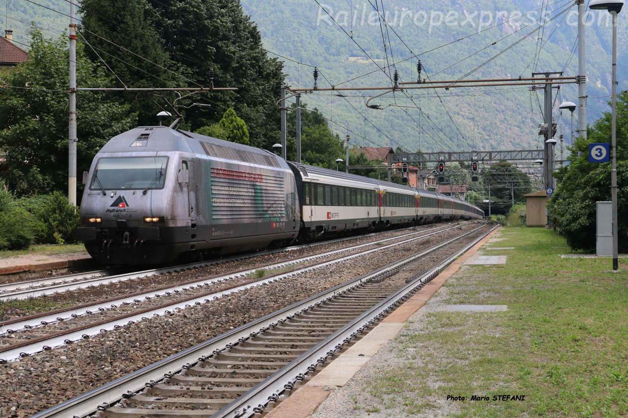 Re 460 107-6 CFF à Varzo (I)