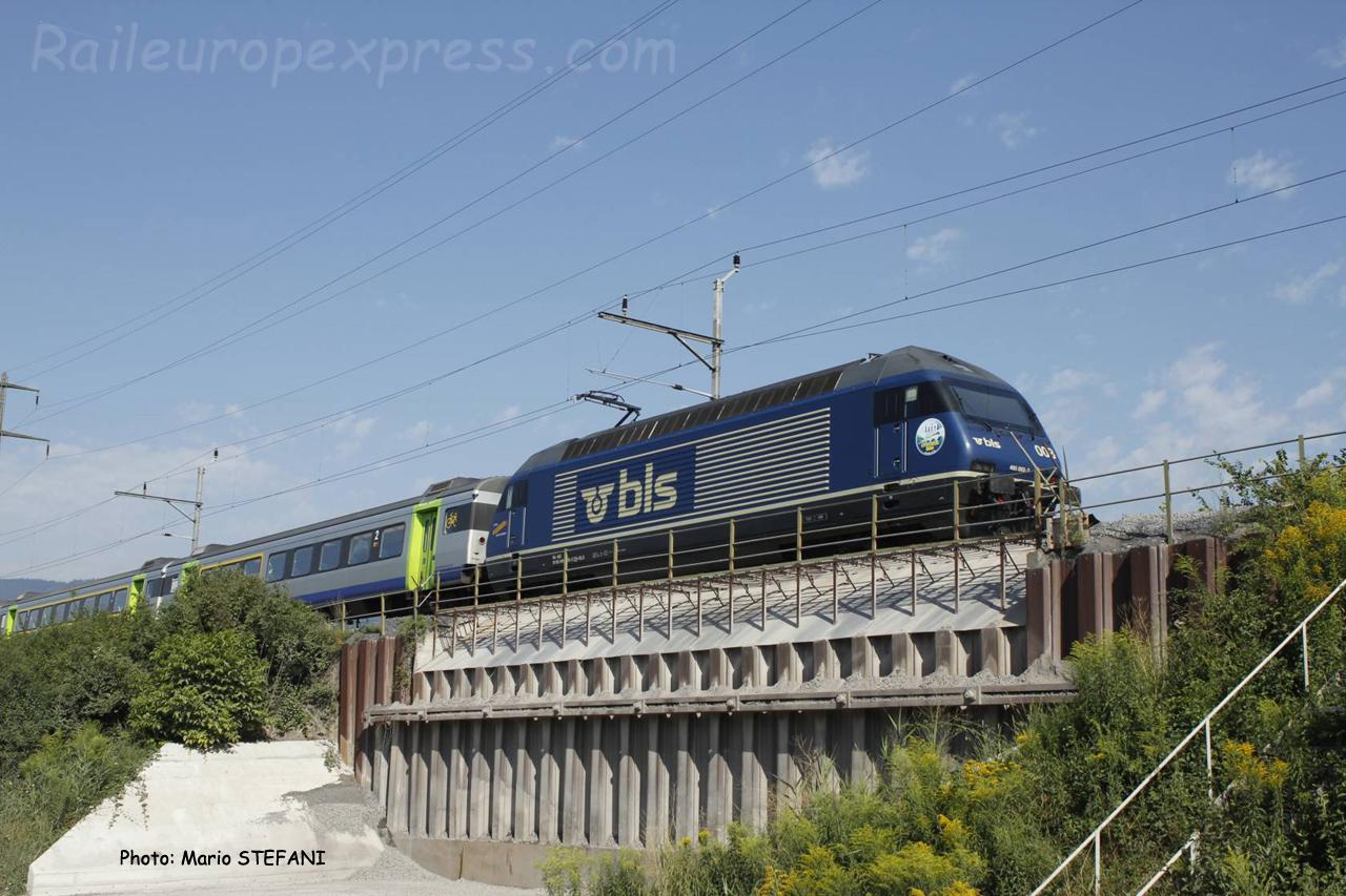 Re 465 003 BLS à Marin (CH)