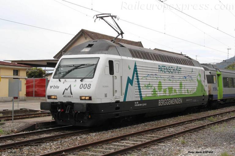 Re 465 008-1 BLS à Chambrelien (CH)