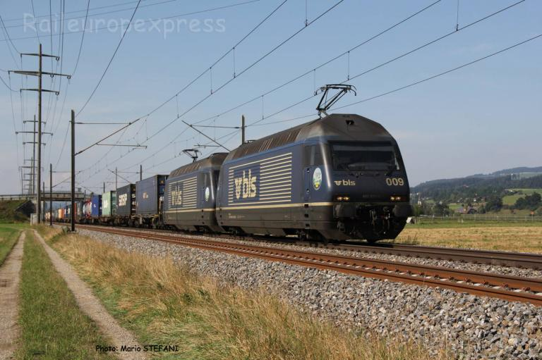 Re 465 009-9 BLS à Kiesen (CH)