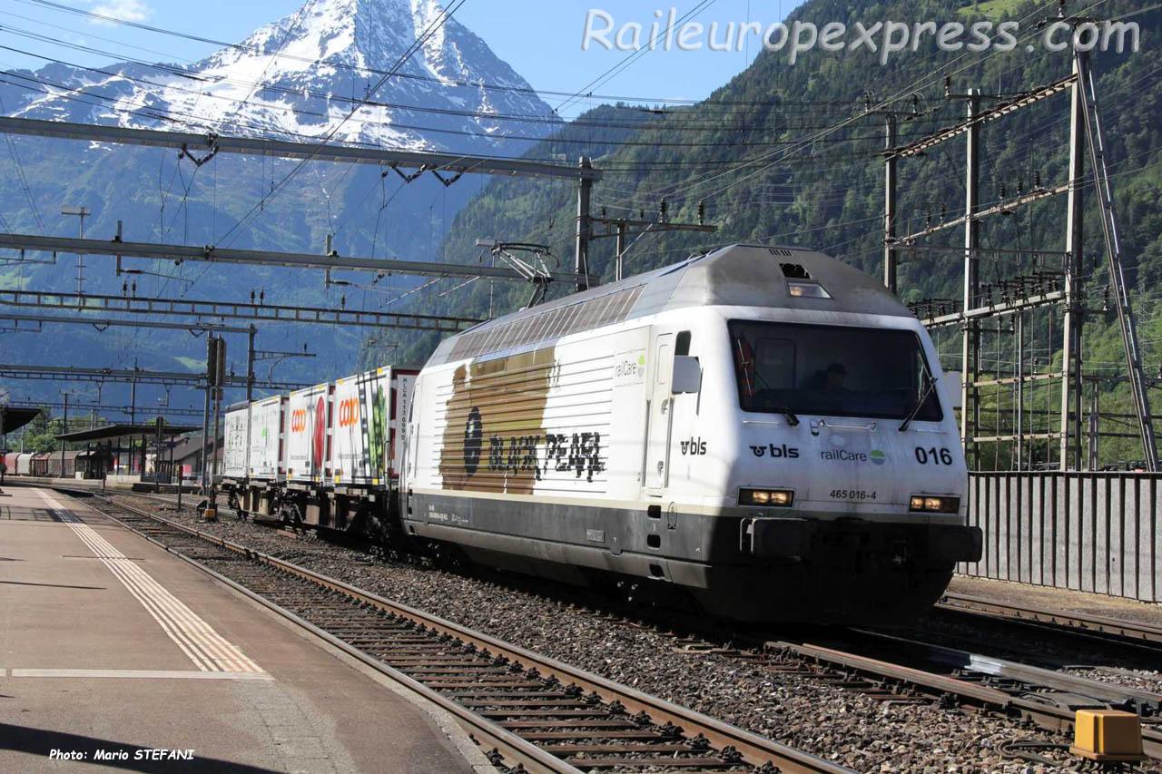 Re 465 016-4 BLS à Erstfeld (CH)