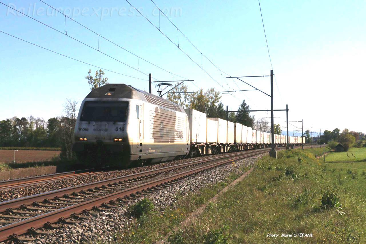 Re 465 016 BLS à Boudry (CH)