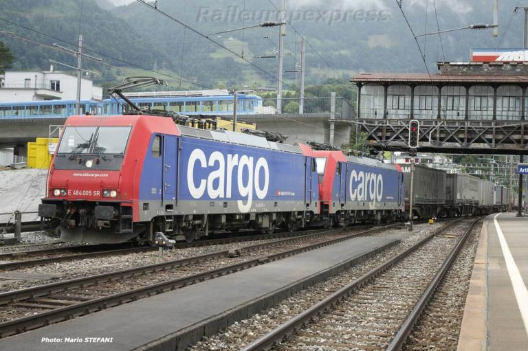 Re 484 005-4 CFF à Arth Goldau