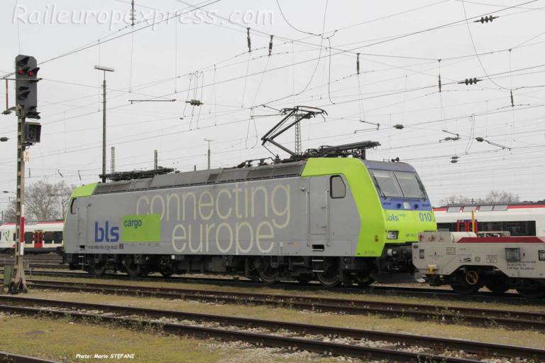 Re 485 010-2 BLS à Basel (CH)