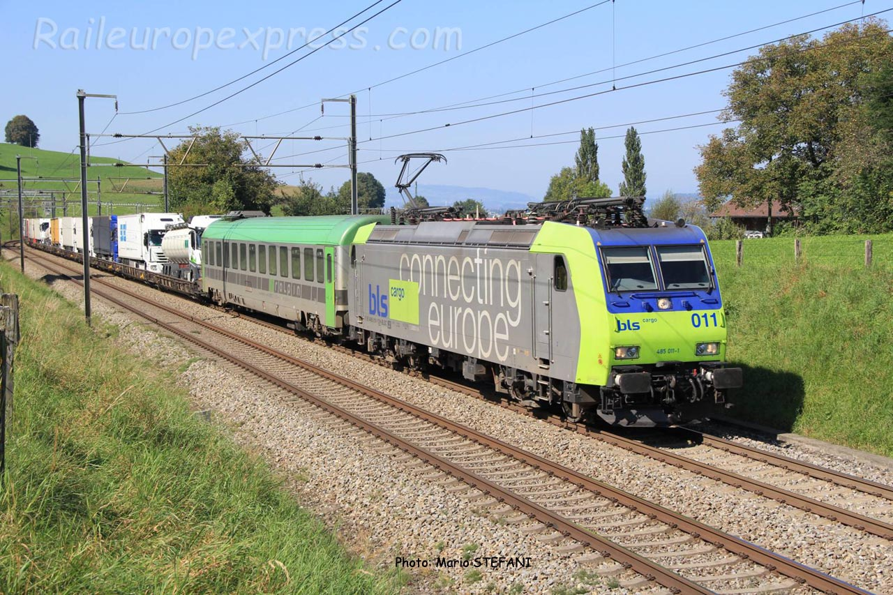 Re 485 011 BLS à Kumm (CH)