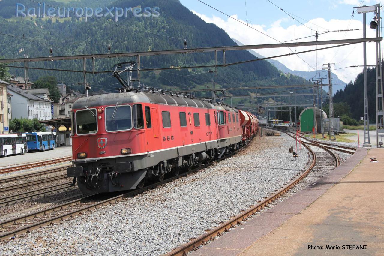 Re 6/6 11603 CFF à Airolo (CH)