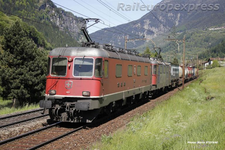 Re 6/6 11673 CFF à Chiggiogna Paese