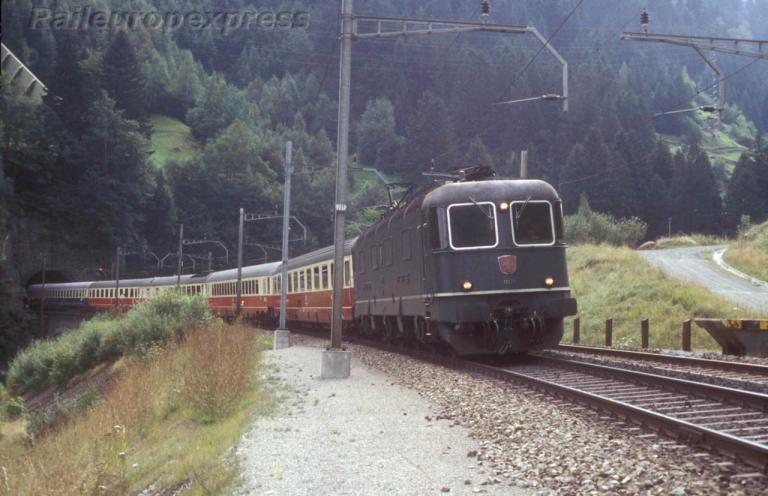 Re 6/6 11678 CFF à Wassen (CH)