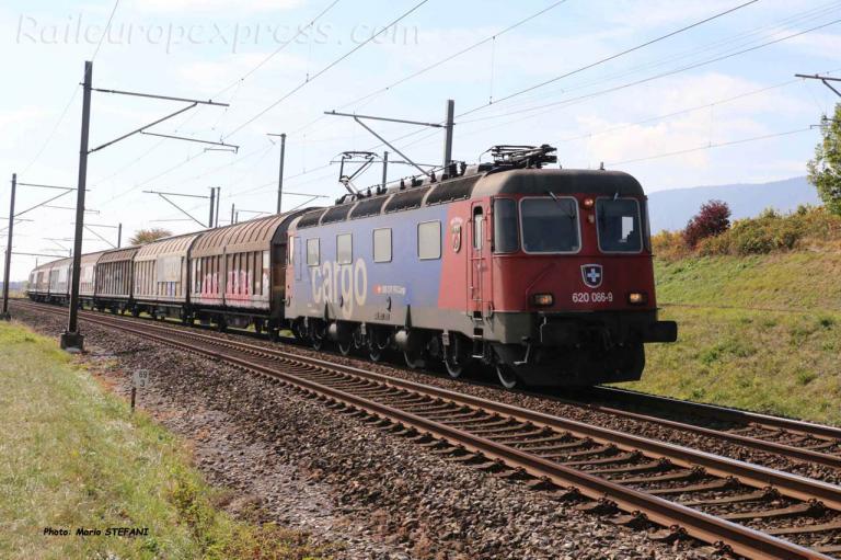 Re 620 066-9 CFF à Auvernier (CH)
