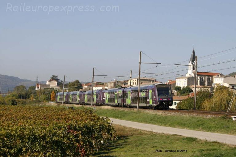 Régio 2 N SNCF à Gervans (F-26)