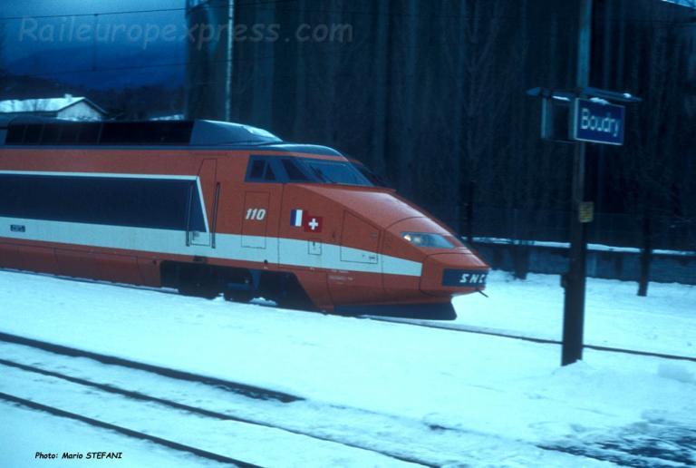 TGV à Boudry (CH)