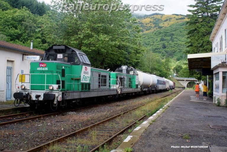 Train desherbeur avec BB 66401 et BB 66406 à Villefort