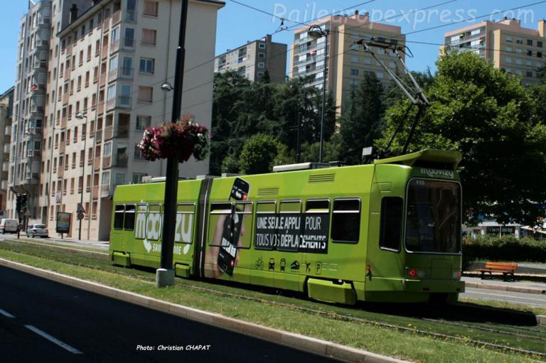 Tramway de Saint Etienne (F-42) en pelliculage appli Euro 2016