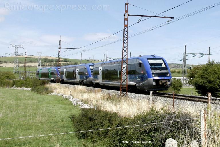 UM 3 d'X 73500 SNCF vers Talizat (F-15)