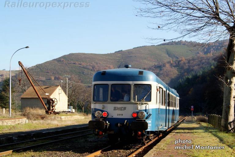 X 2819 à Villefort (F 48)