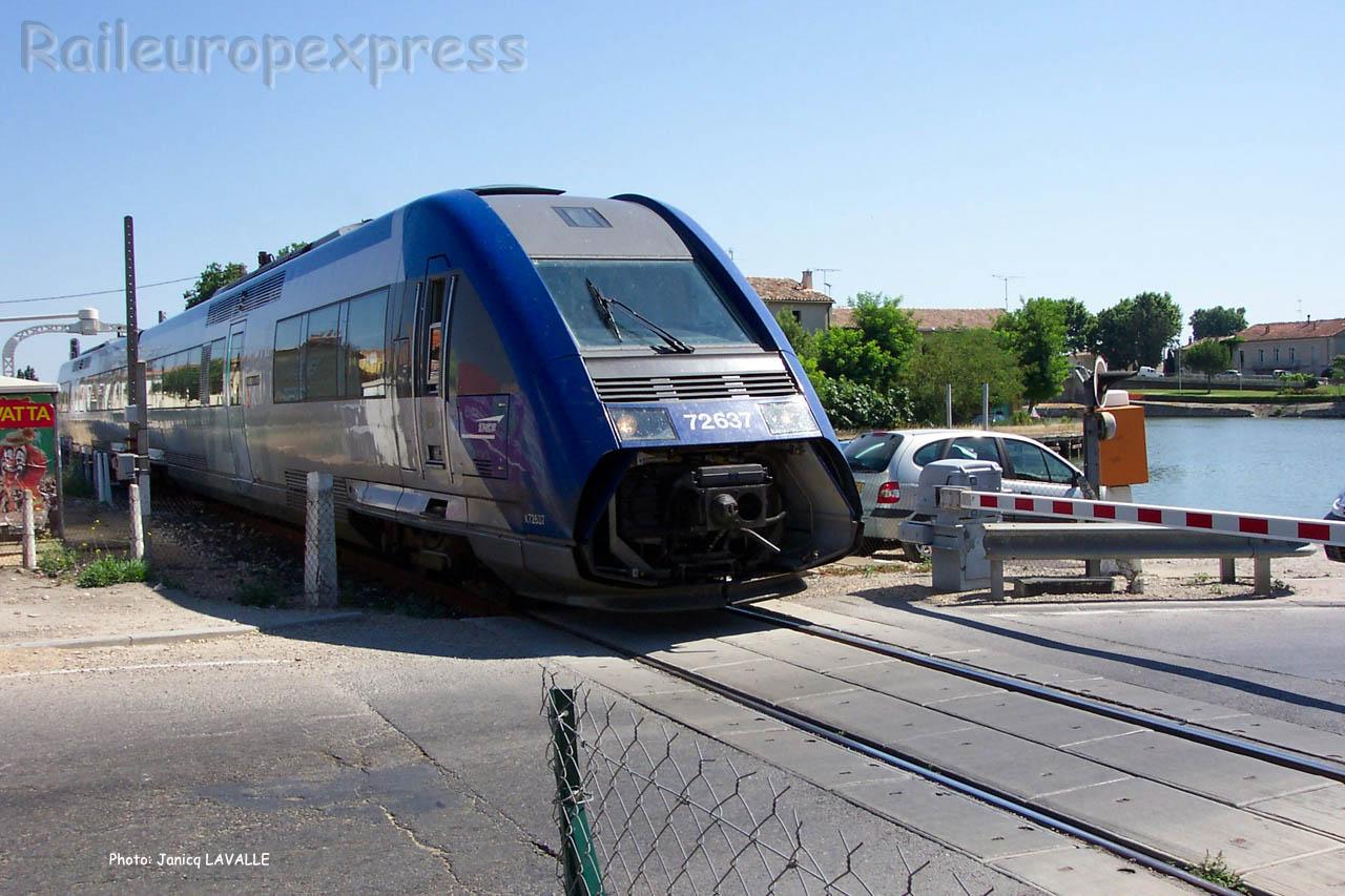 X 72637 SNCF à Aigues-Mortes (F-30)