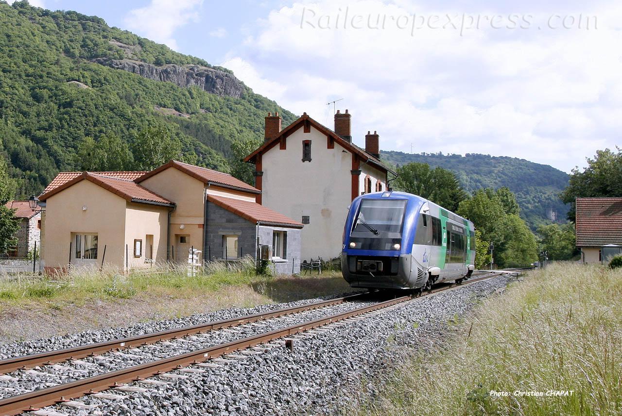 X 73500 SNCF à Molompize (F-15)